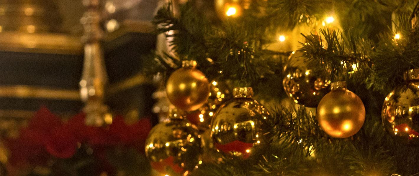Preparing-the-Church-Sanctuary-for-Christmas.jpg